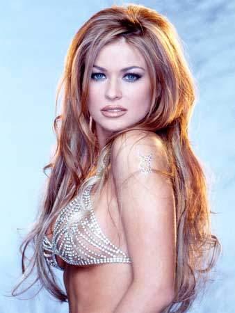 Carmen Electra nackt, Oben ohne Bilder, Playboy Fotos,