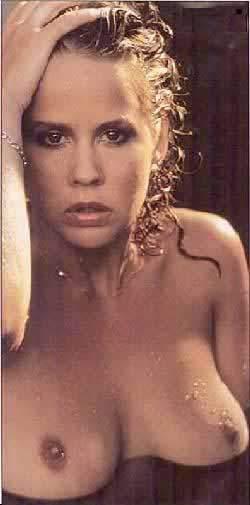 Linda Blair frei nackt