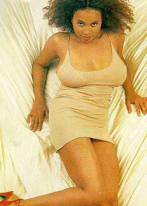 Lisa Nicole Carson  nackt