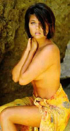 Tiffani-Amber Thiessen Nude Pics and